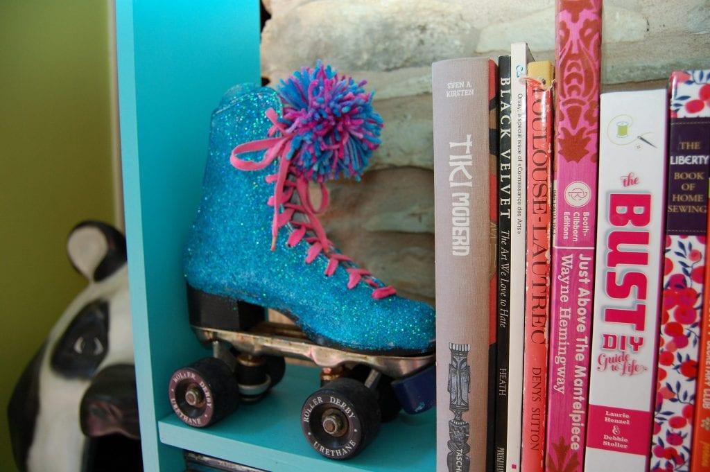 glittered-rollerskate-bookends