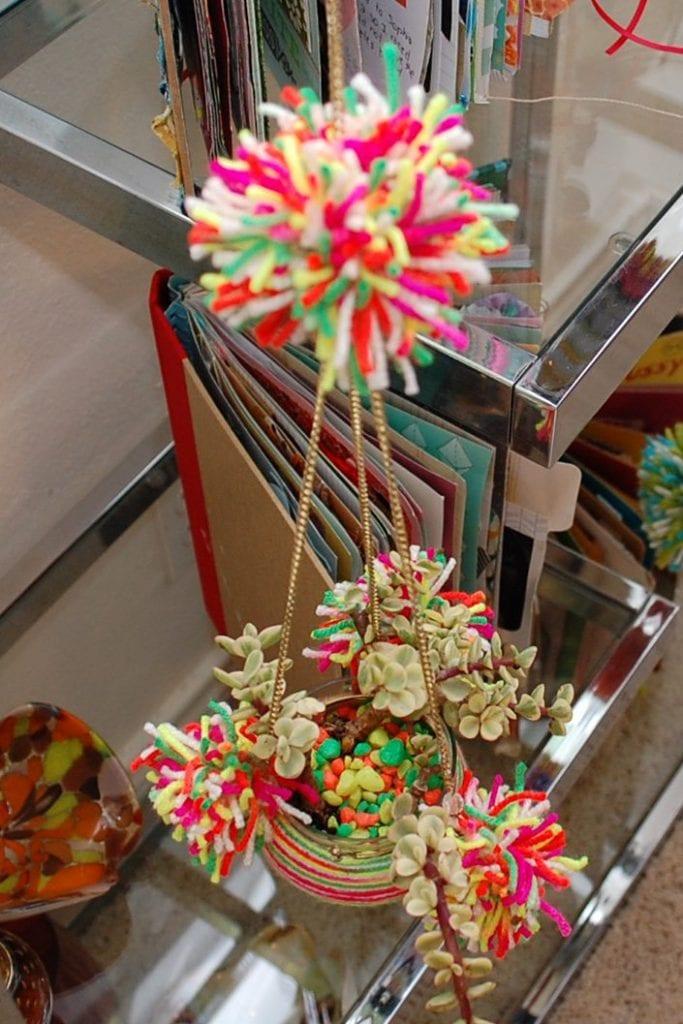 yarnwrappedairplants11