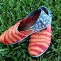 How to make tie-dye patriotic 4th of July shoes by Jennifer Perkins