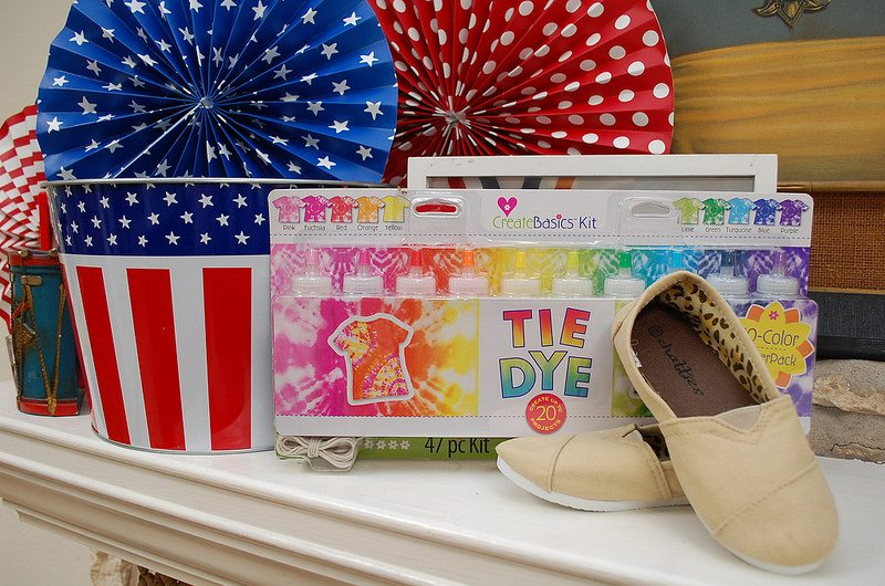 How to dye a pair of shoes for 4th of July by Jennifer Perkins