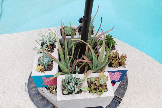 DIY-Stencil-Cinderblock-Umbrella-Weight-Planter