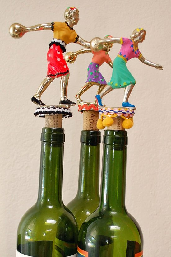 Trophy-wine-corks---in-bottles