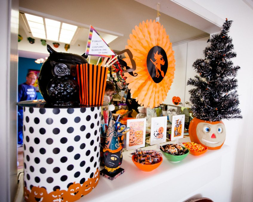 Halloween Black Tree