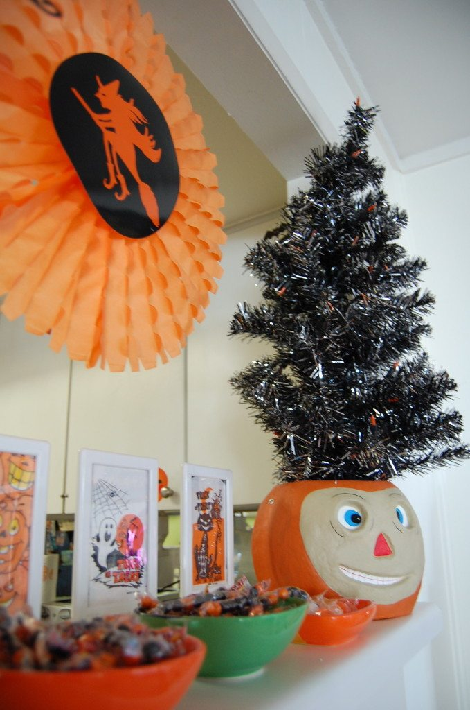 Halloween Tree black Kitchen