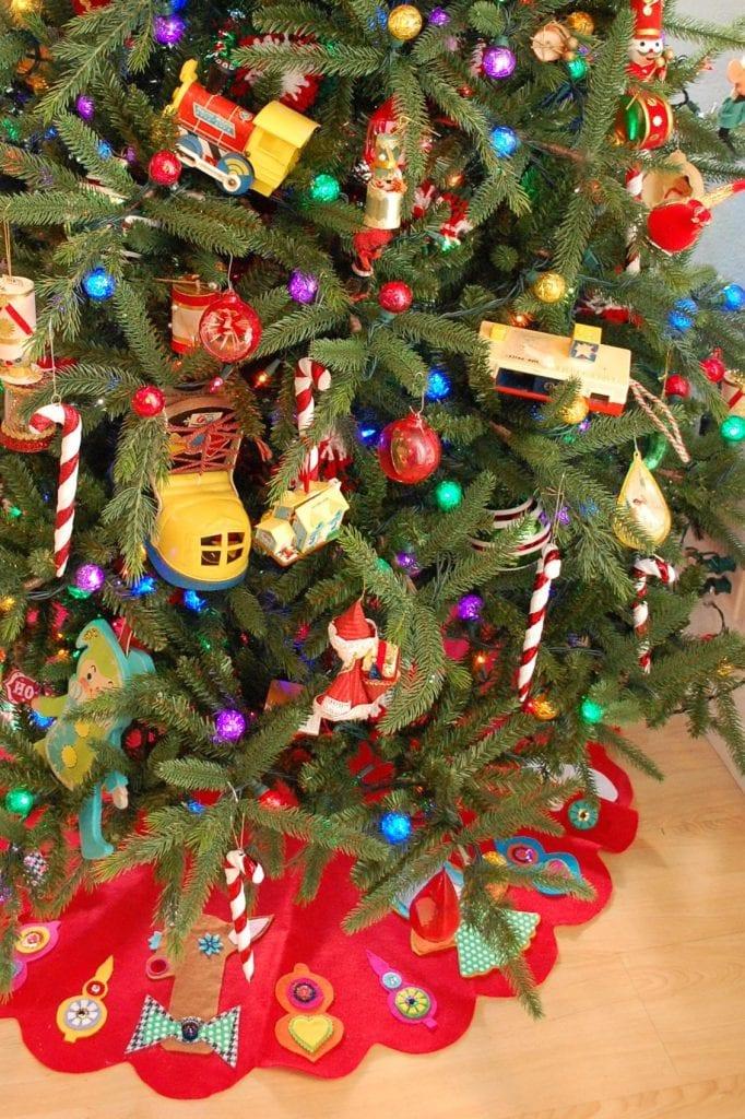 Kitschy Felt Christmas Tree DIY Jennifer Perkins
