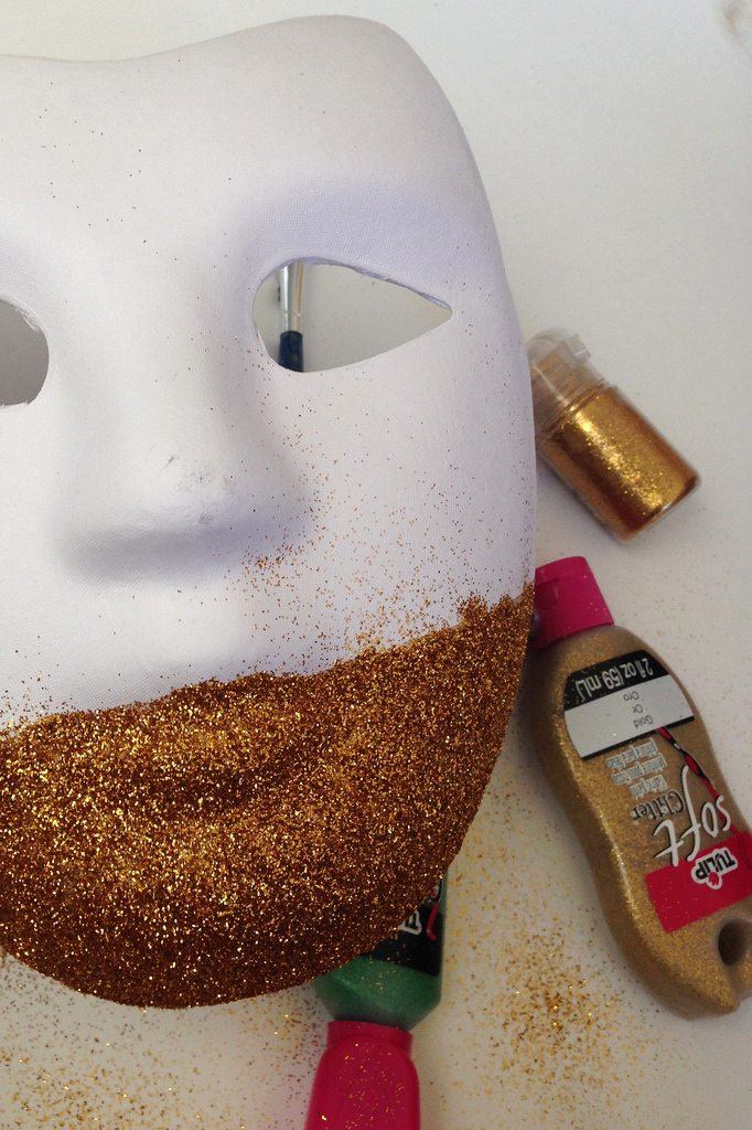 How to glitter a Mardi Gras mask by Jennifer Perkins
