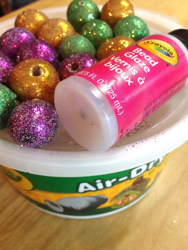 How to make air dry clay Mardi Gras beads.