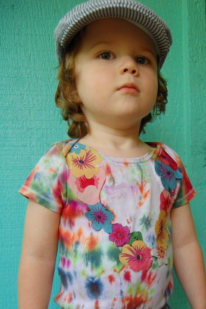 How to make your own tie-dye Hawaiian shirt complete with appliqué lei by Jennifer Perkins
