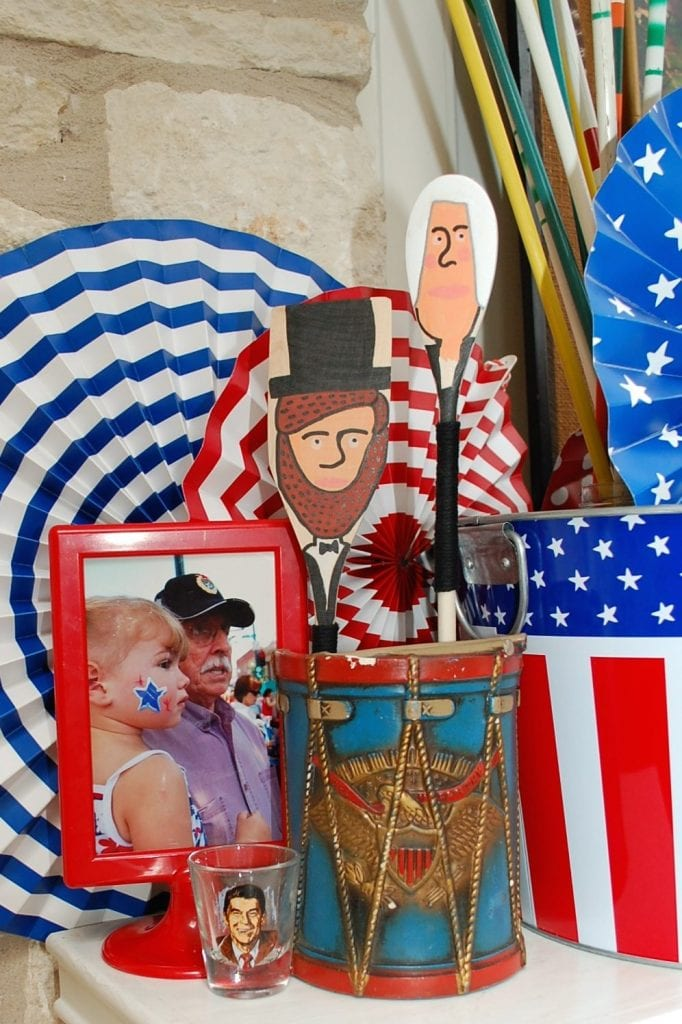 Teaching kids about presidents with DIY spoon puppets.