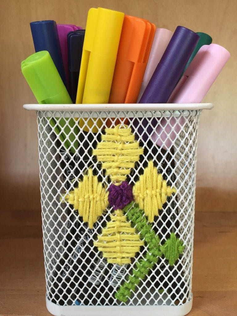 How to embroider a desk organizer.