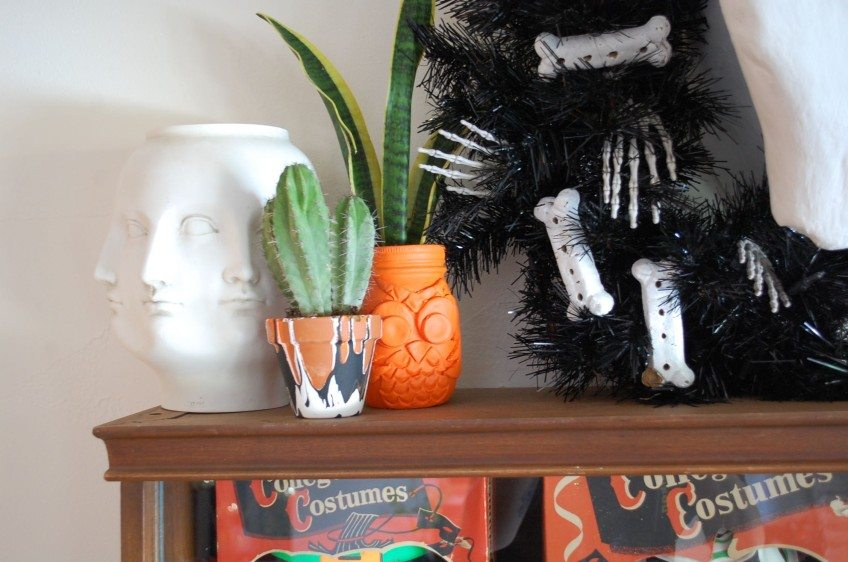 How to make air dry clay Halloween planters.
