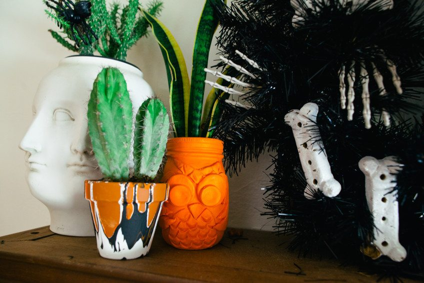 How to make Halloween themed pots and planters.