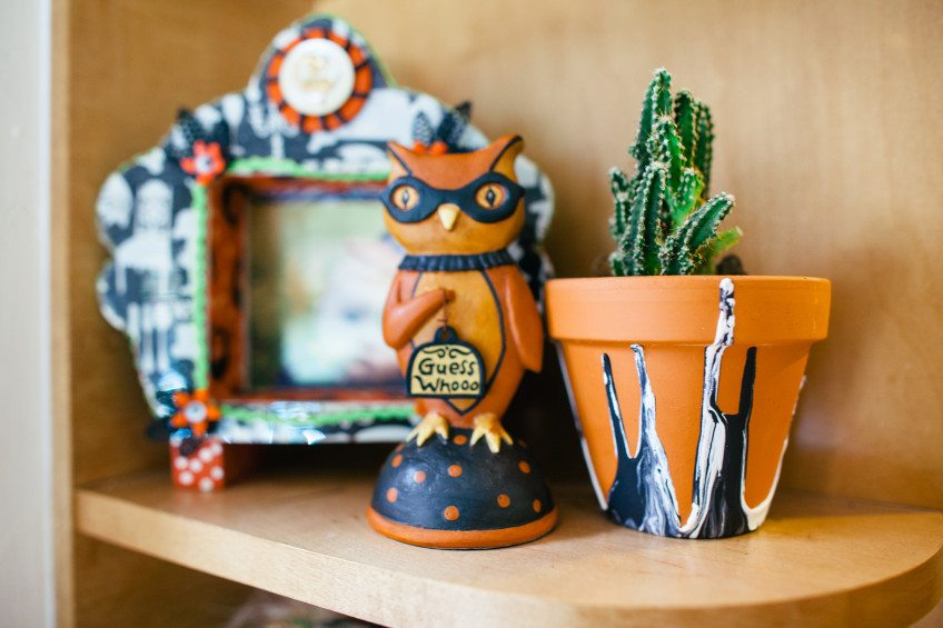 How to make Halloween themed drip pots.