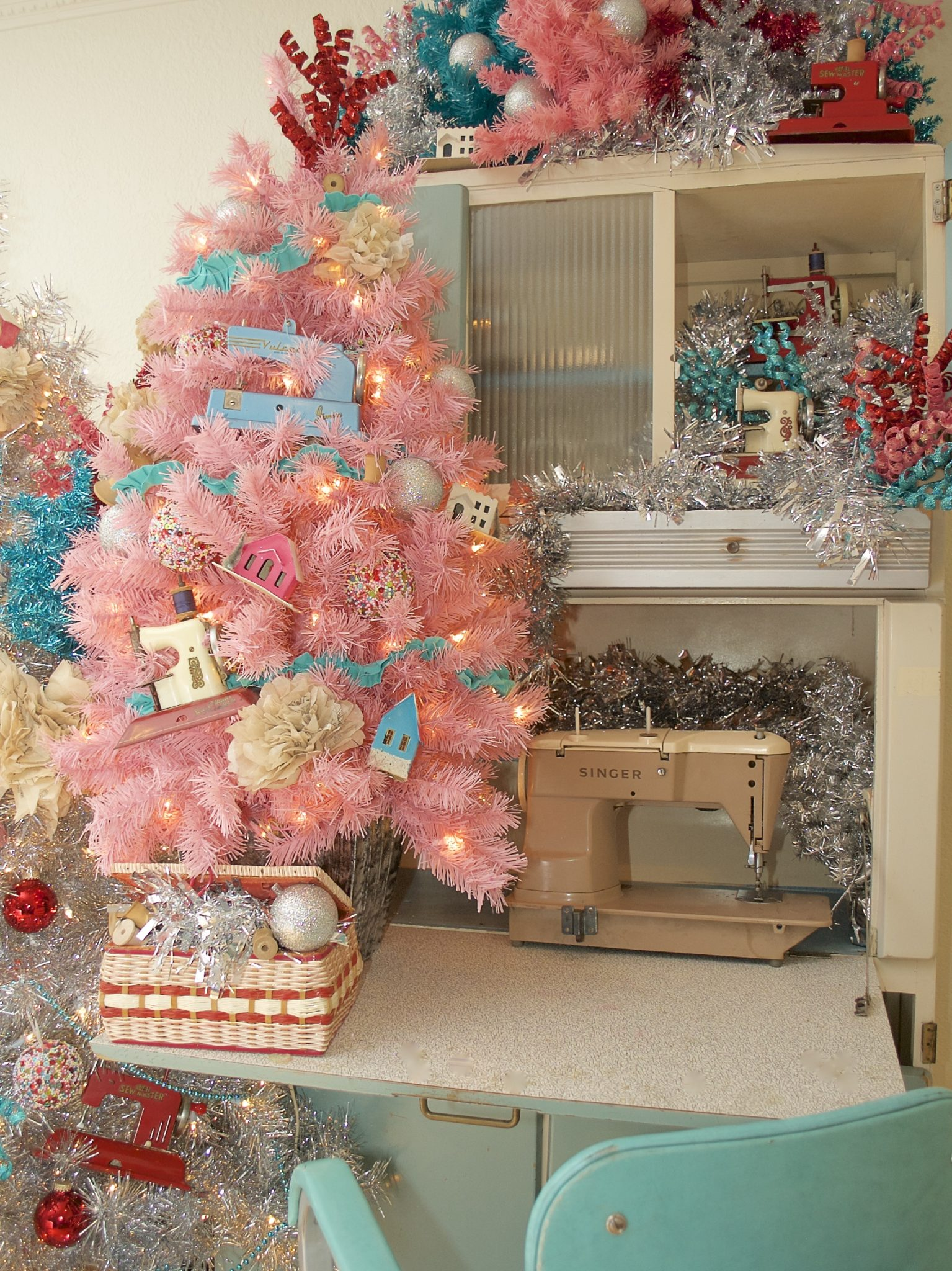 How to decorate a Christmas Tree with a Sewing theme.