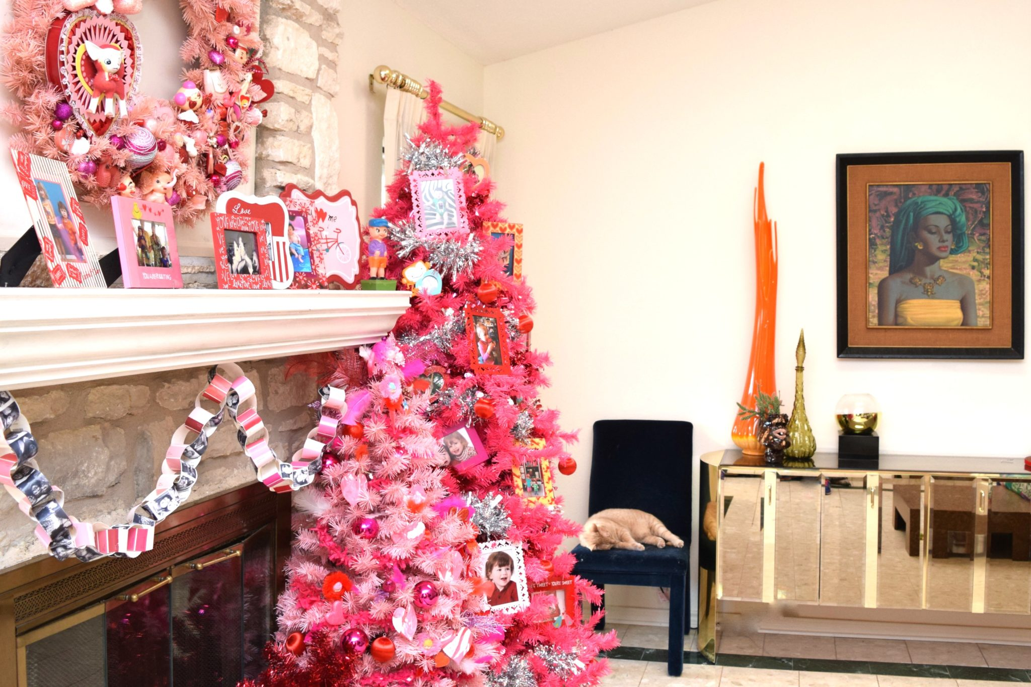 valentines-day-fireplace-tree