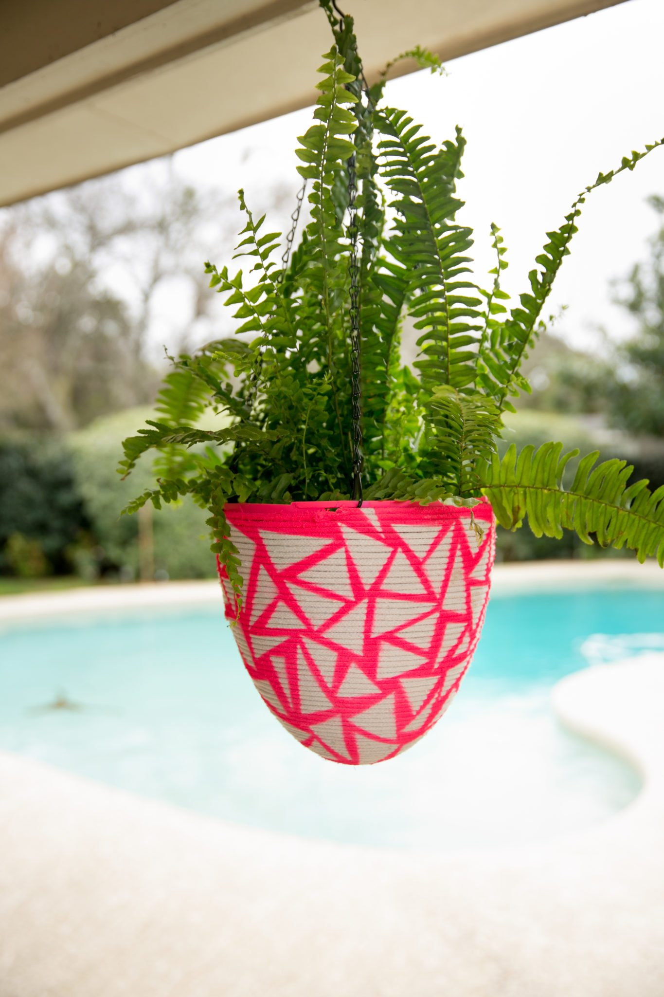 How to make a hanging basket for plants out of a plastic Easter egg.