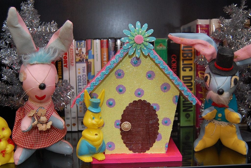 How to make an Easter house.