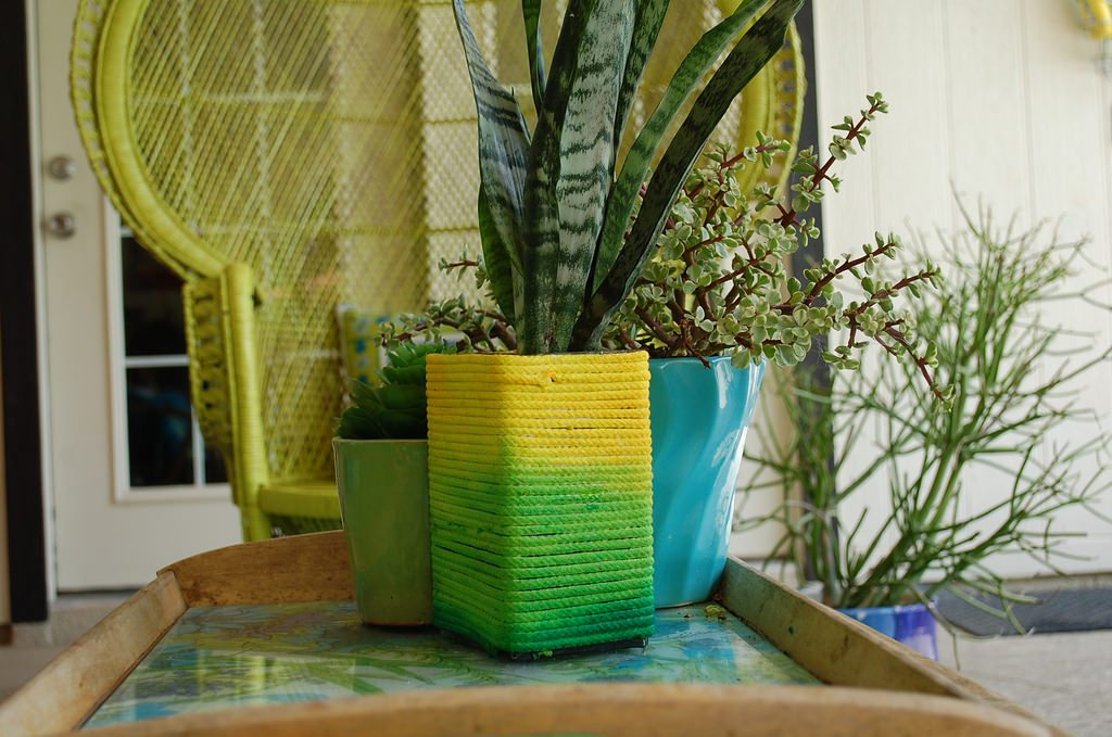 How to dye rope to make a DIY ombre planter by Jennifer Perkins