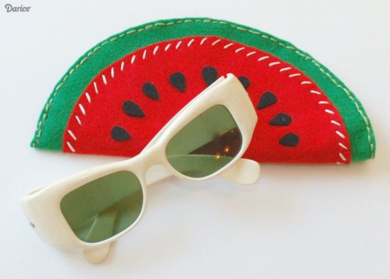 DIY-sunglasses-cases-felt-fruit-Darice-1