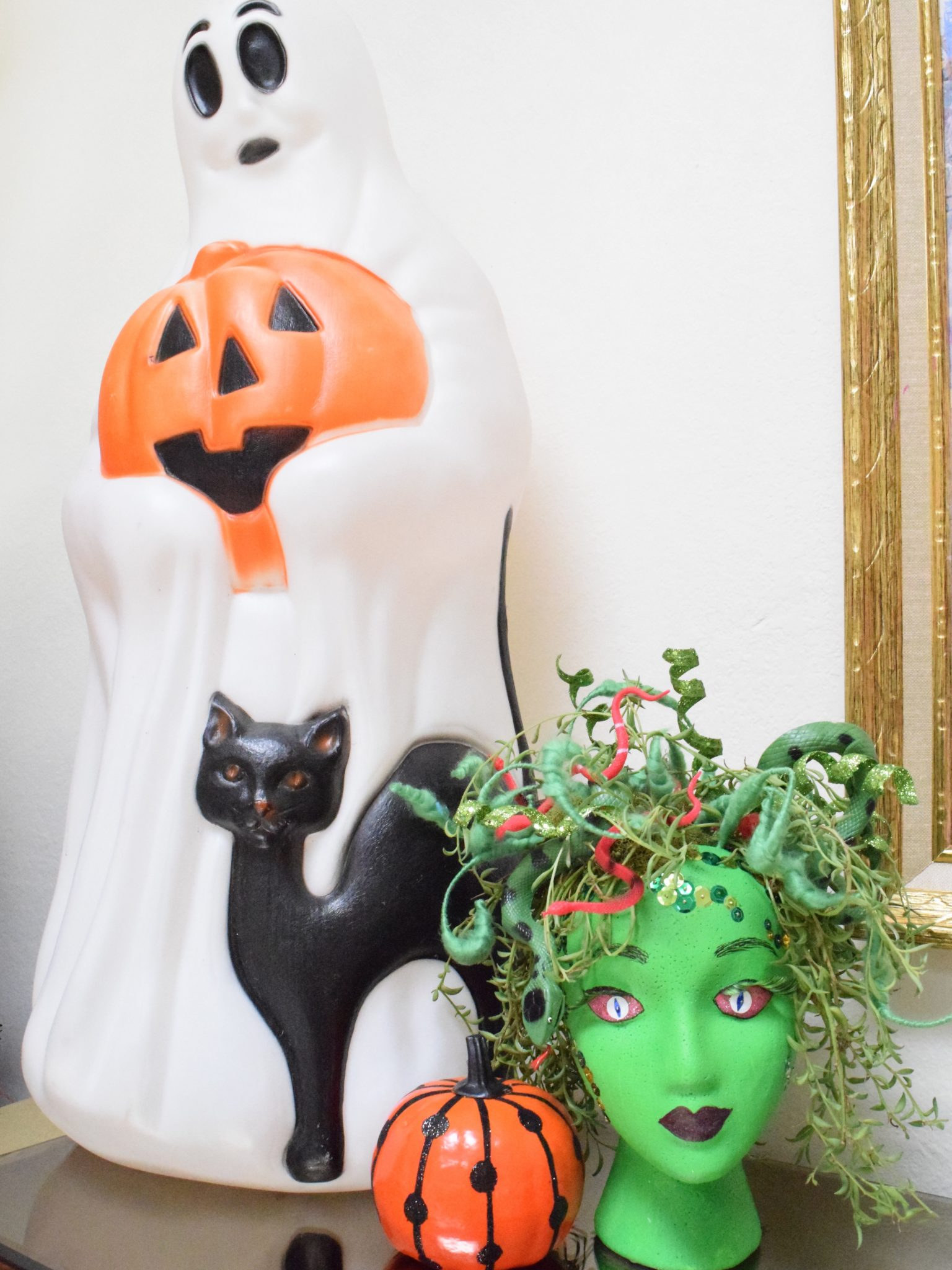 Halloween Crafts with the Kids - DIY Monster Planters Jennifer Perkins #halloweencrafts #halloweenkidscrafts #halloweendecor #diyhalloweendecor