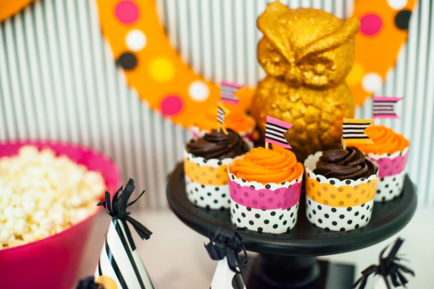 Makeover a cupcake wrapper with washi.