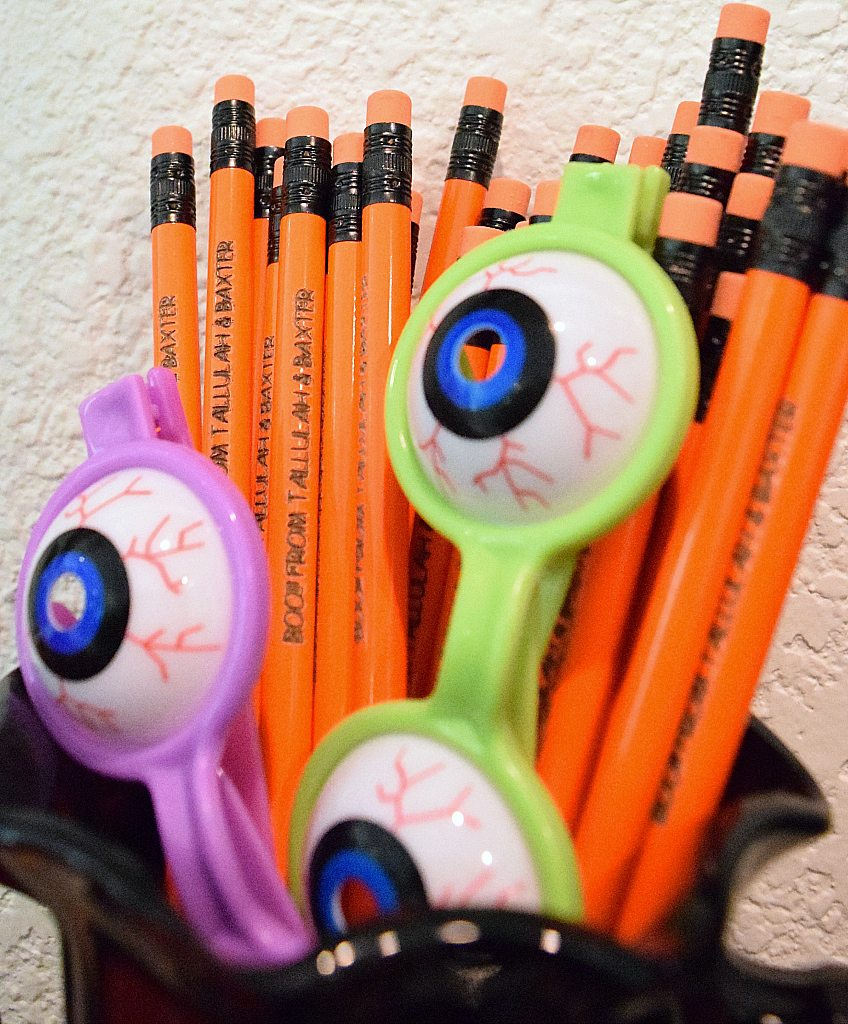 custom-halloween-pencils