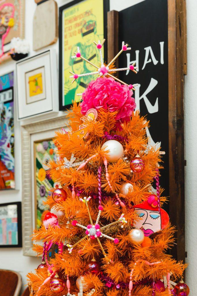 Easy straw snowflake ornaments.