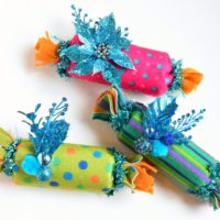 DIY felt Christmas crackers instead of wrapping paper by Jennifer Perkins