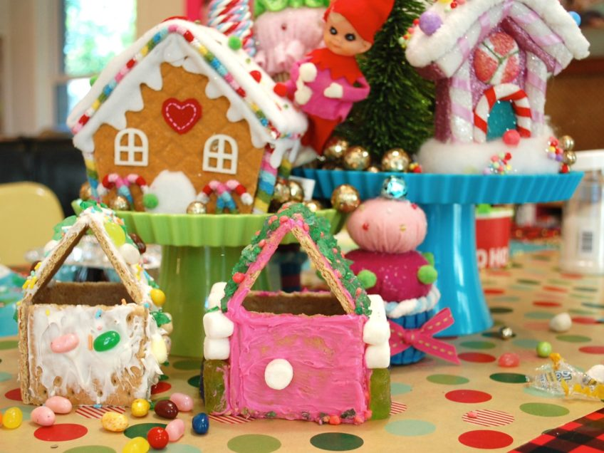 How to throw a gingerbread house party.