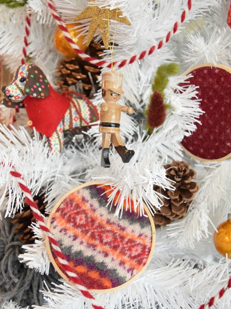 sweater-hoop-ornaments