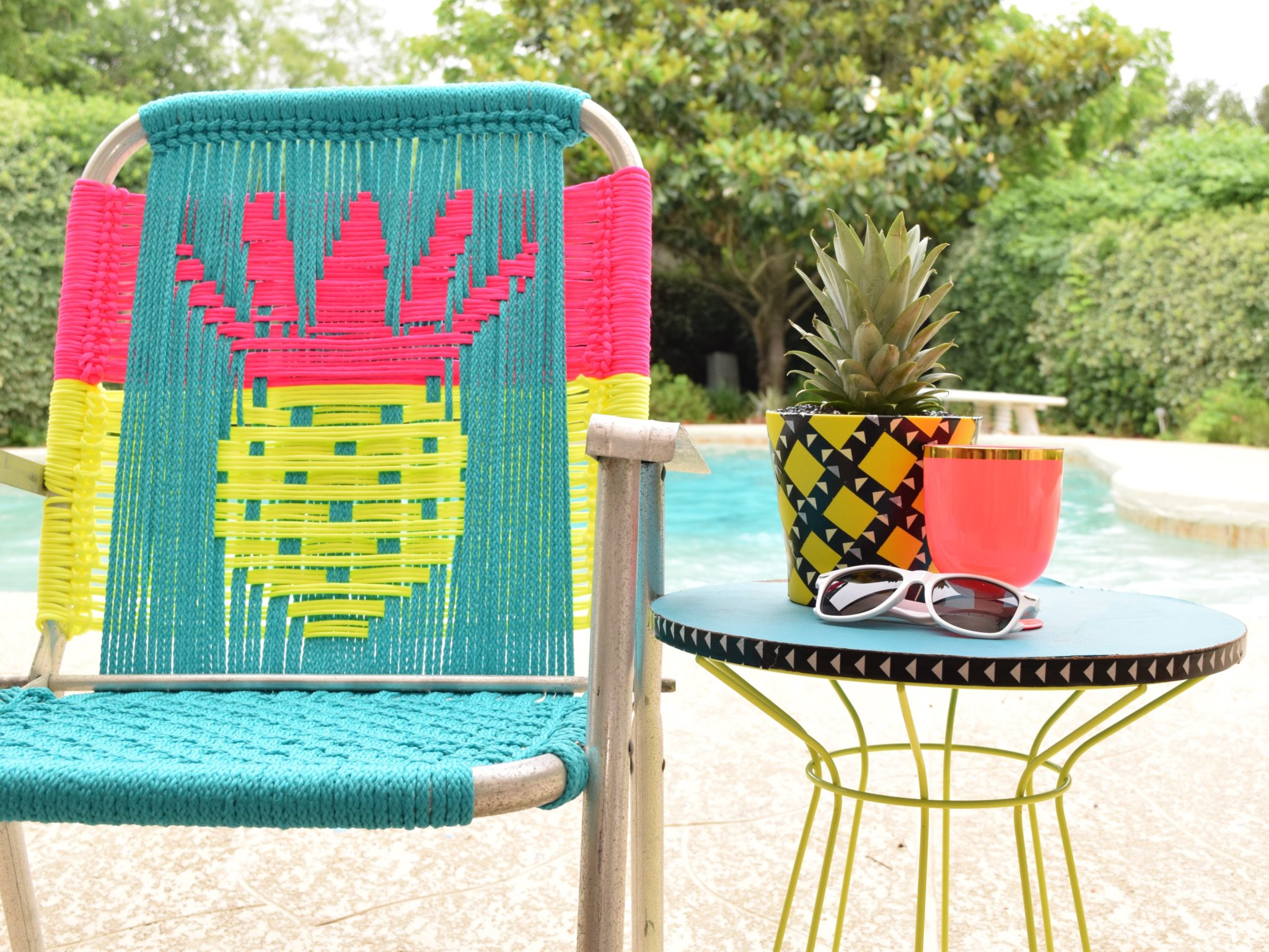 How to macrame a pineapple lawn chair.