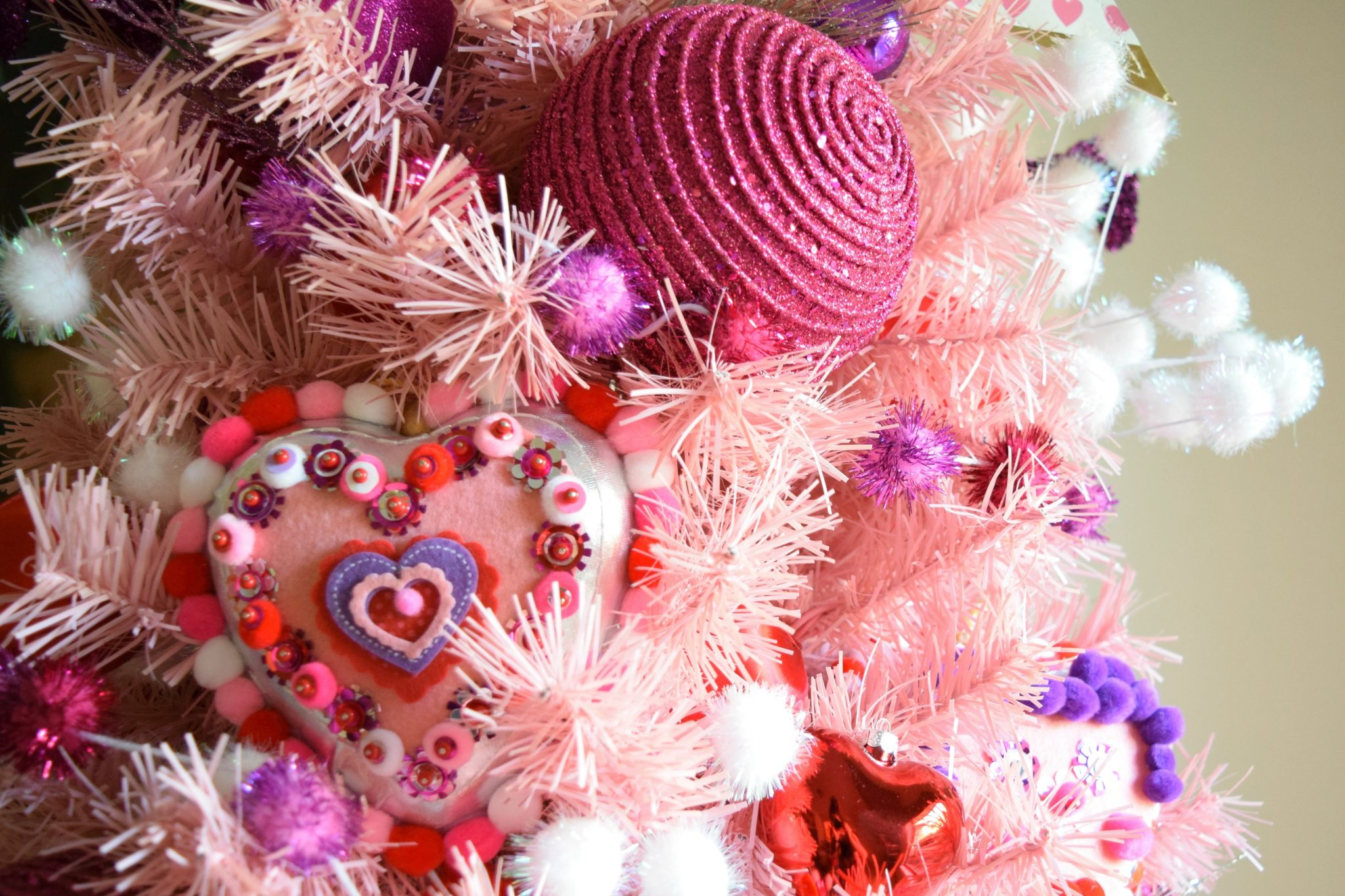 Adorable Valentine's Day ornaments to make with the kids by Jennifer Perkins