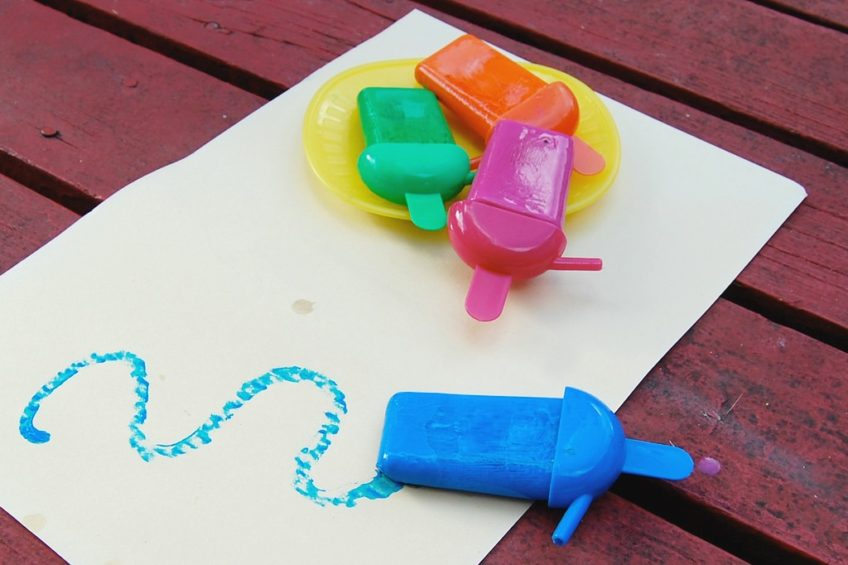 How to make frozen popsicles from paint.