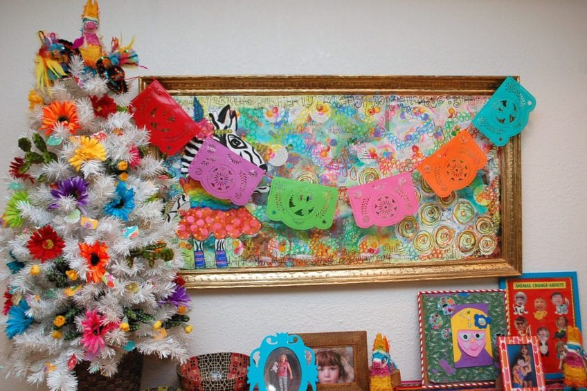 How to decorate a tree for Cinco de Mayo.