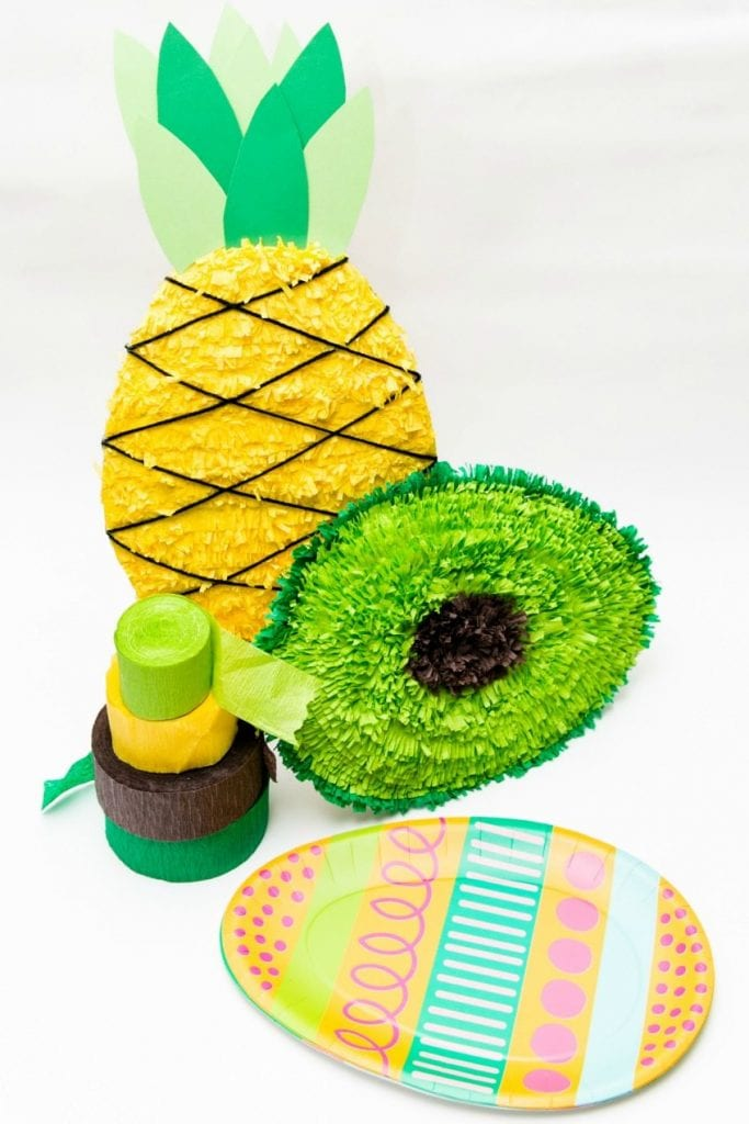 How to make pinatas from paper plates.