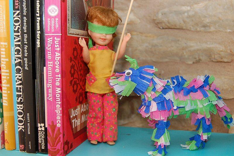 How to make a piñata figurine.