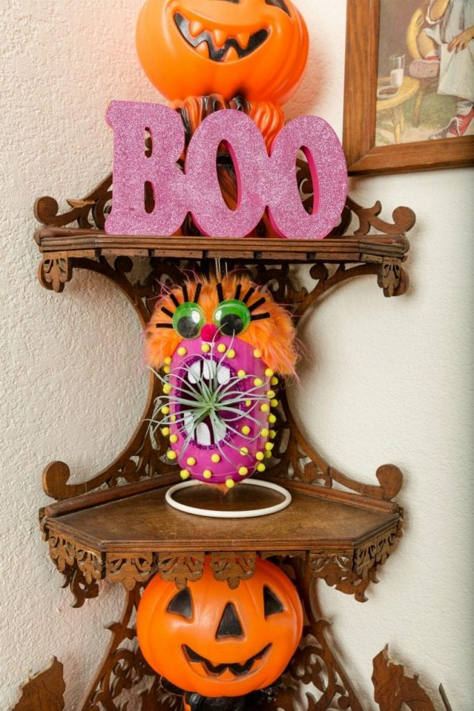 Adorable DIY halloween monster planter for an air plant by Jennifer Perkins