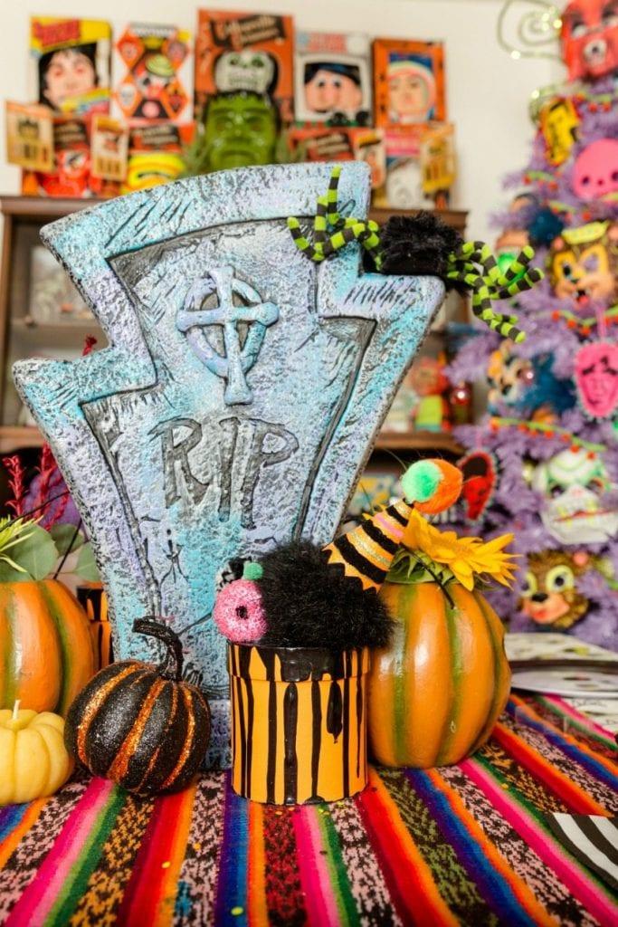 DIY ice cream cake box for Halloween by Jennifer Perkins
