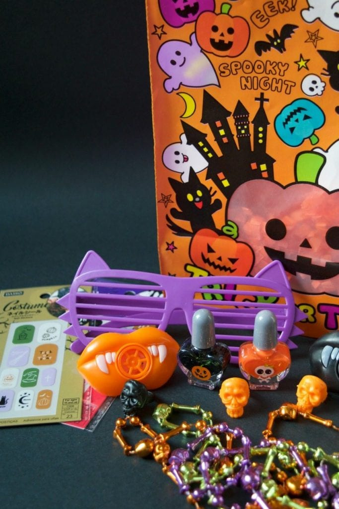 Candy free ideas for tween trick-or-treaters at Halloween by Jennifer Perkins