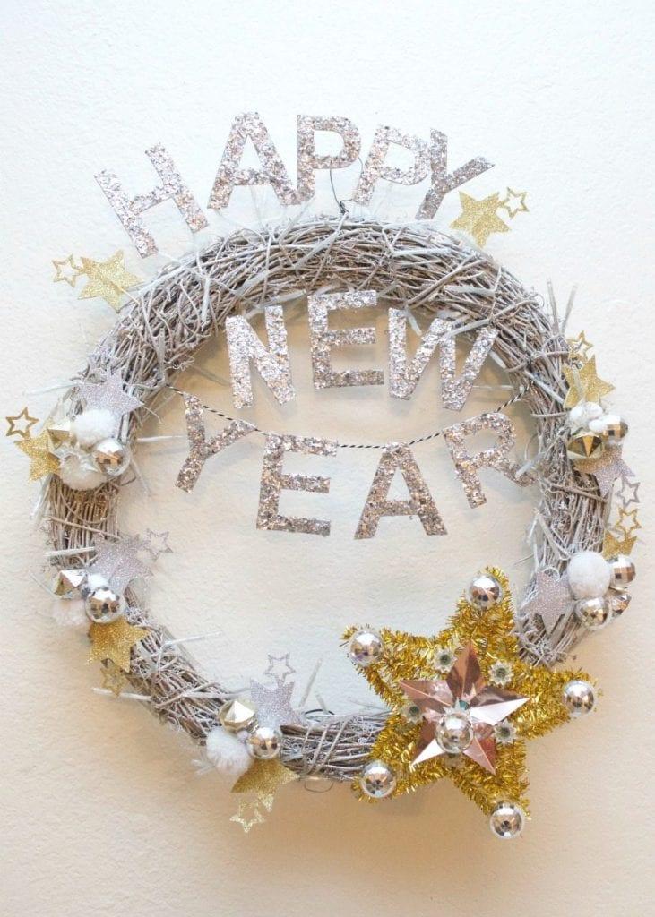Wreath of the Month Club - DIY New Year's Wreath by Jennifer Perkins