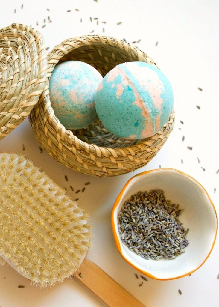 DIY bath bombs full of essential oils perfect for allergy and sinus relief by Jennifer Perkins