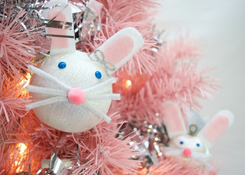 Adorable DIY Easter bunny ornament for an Easter tree by Jennifer Perkins