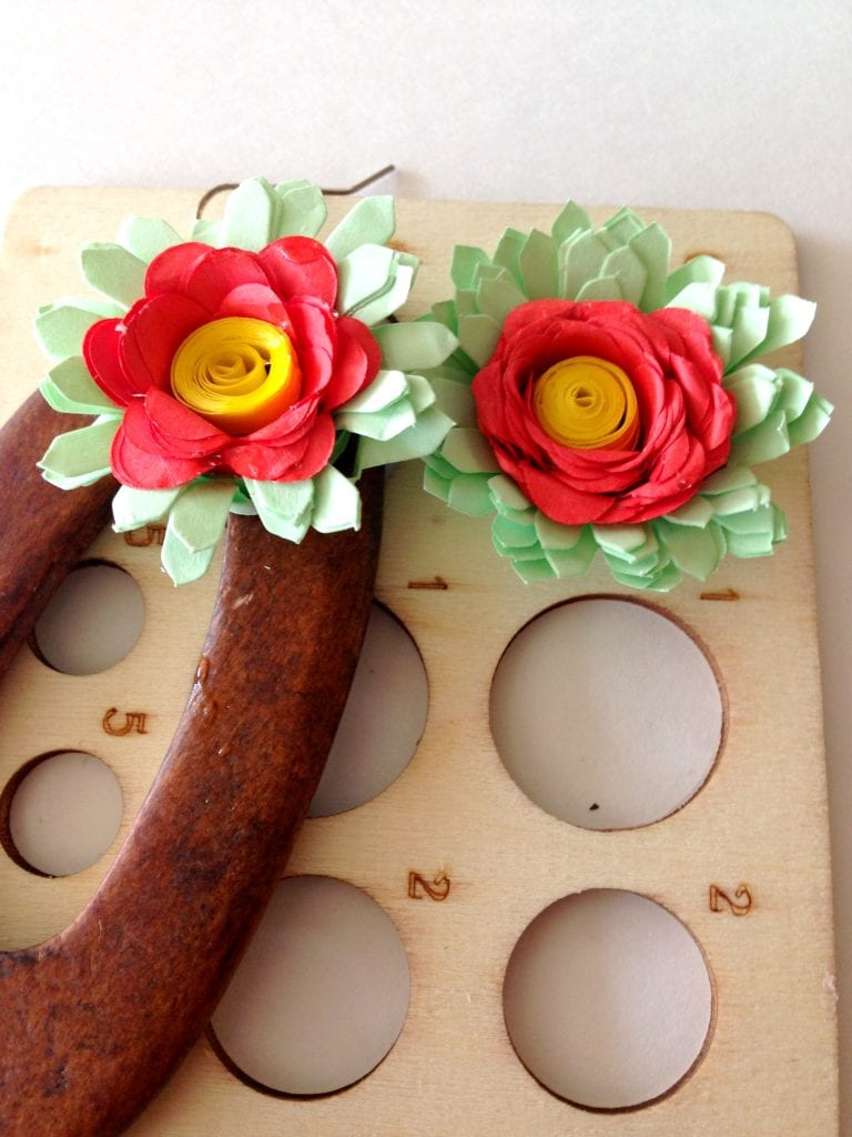 Can You Wear Paper Yes Make These Diy Quilled Flower Earrings
