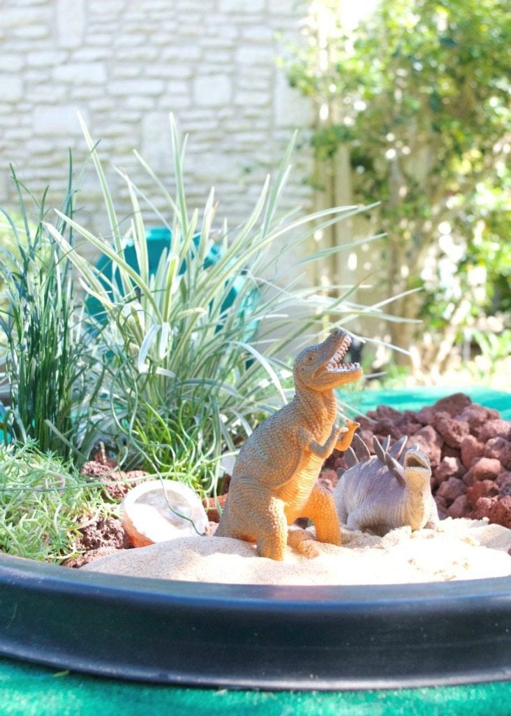 Make your kids an interactive outdoor dinosaur garden. by Jennifer Perkins