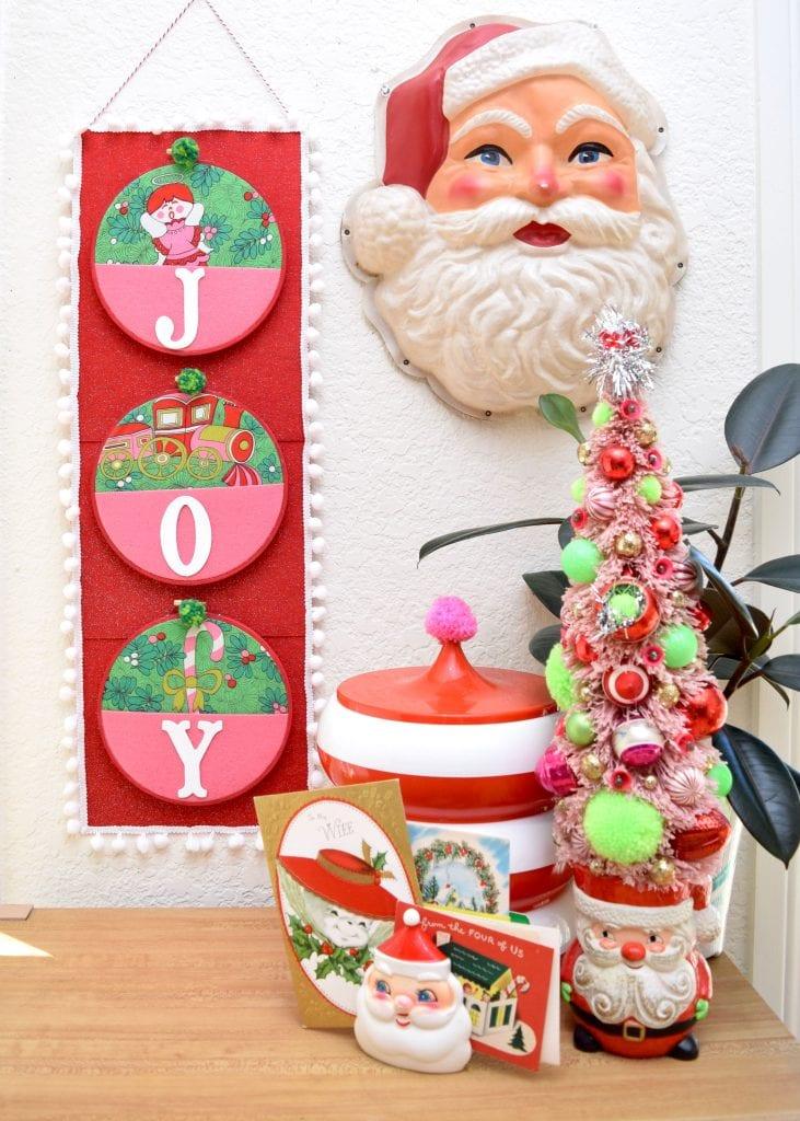 Kitschy vintage inspired Christmas card holder DIY by Jennifer Perkins